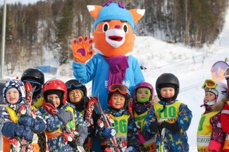 Лыжники