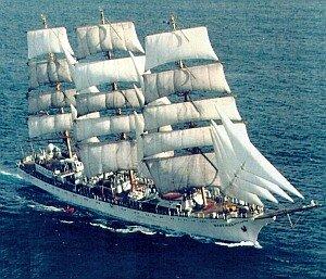 Из Владивостока курс на север взял парусник «Паллада» по следам экспедиции Витуса Беринга